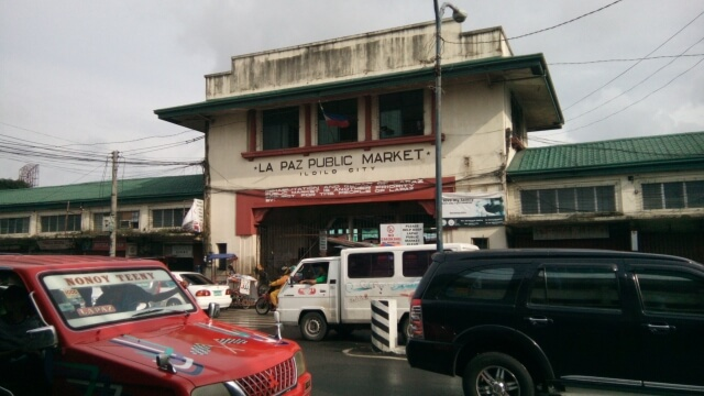 La Paz Public Market where Netong's Original Special La Paz Batchoy and Madge Cafe can be found.