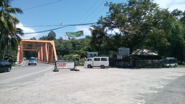 Buses coming from Iligan City is on the left side of the road. That said, right after this bridge is the jump-off point of Maria Cristina Falls.