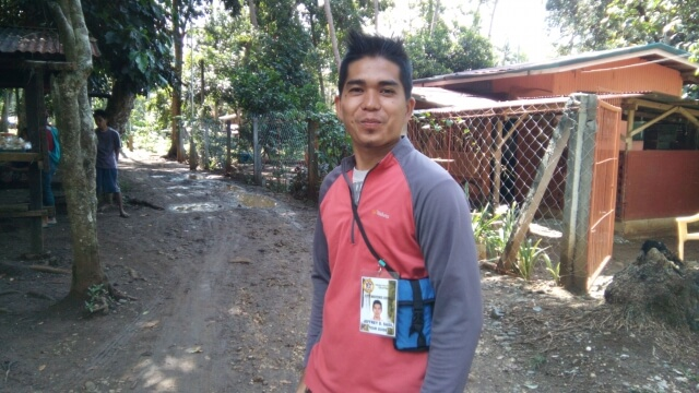 Jeffrey D. Sasil or simply Kuya Jeff is a tour guide and a habal-habal rider that can drive you to Mimbalot Falls, Tinago Falls and back to Maria Cristina Fall jump-off point for an affordable fee. You can reach him at +639061079565.