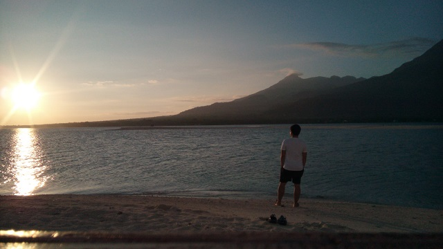 Who would miss this opportunity with the sunrise in Camiguin Island?