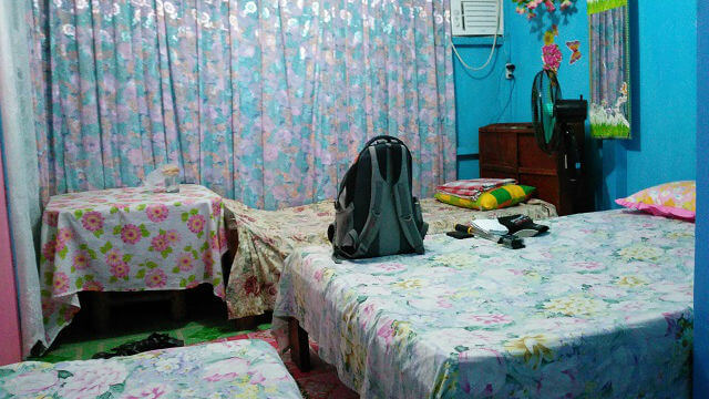 Hanna Lou's Homestay has only 1 room with 2 single beds and 1 double bed. It is a mixed dorm type room with an option for air-conditioner or a fan.