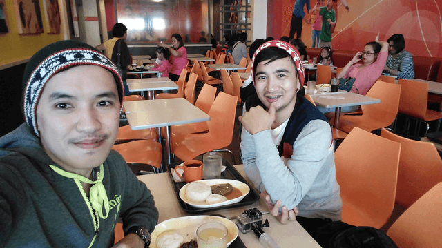 Brunch at Jollibee, SM City Baguio.
