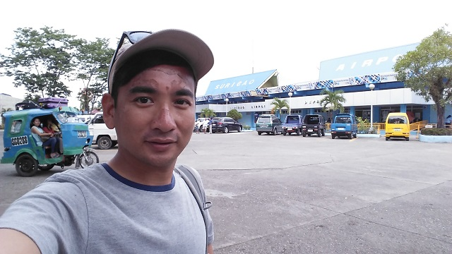 Selfie at Surigao Airport. Can you tell if I enjoyed my stay in Siargao and Surigao City?