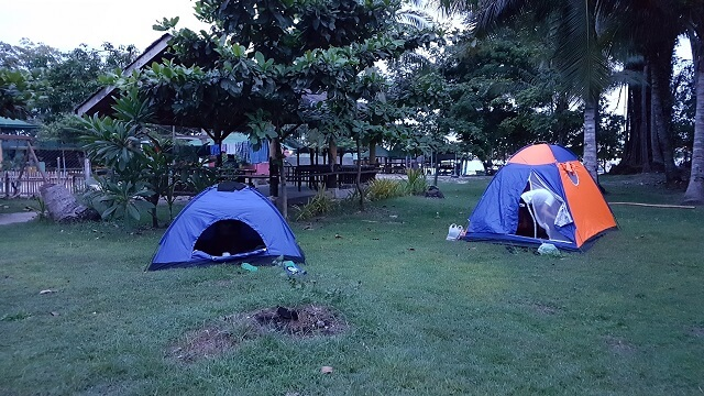 Tent pitching at Rainbow Breeze Beach Resort. Resorts in the area allows tent pitching for a fee. This includes the El Paril Caliclic Beach Resort and Isla Beach Resort. You may contact Rainbow Breeze Beach Resort at +639472204736.