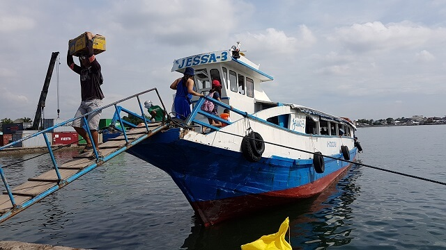 Motor Vanca going directly to Isla Reta Beach Resort in Talicud Island.