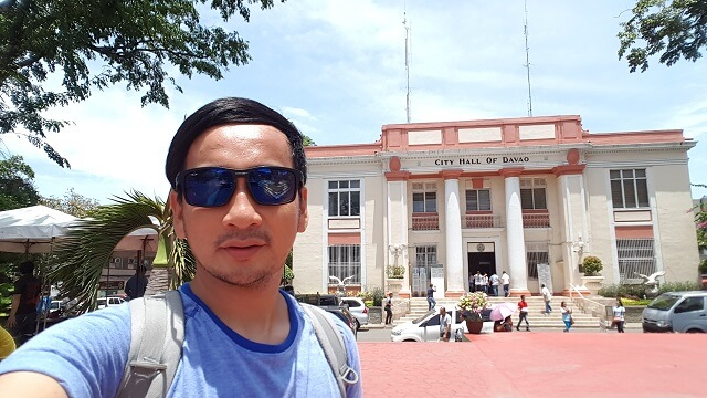 Selfie with Davao City Hall.