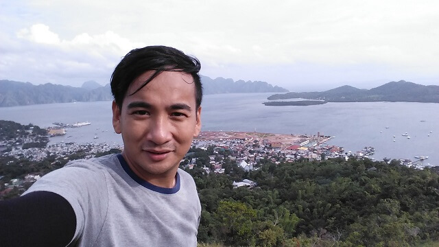 Overseeing the town of Coron, Palawan from Mt. Tapyas. This is also part of an inland tour being offered by tricycle drivers in town. The standard rate is Php600.00. We got it for Php350.00 but later decide to give Php400.00 instead.