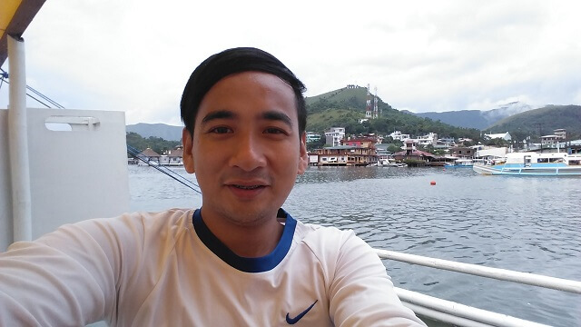 Boarded a motor vanca for our island hopping tour in Coron, Palawan. At the background is the famous Mt. Tapyas.