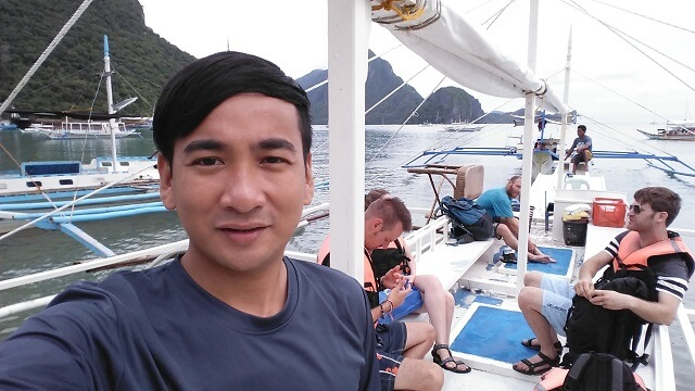 Boarded our motor vanca for island hopping tour. Tourists are from US, France and a newlywed couple from Israel.